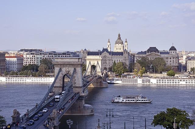 loď na Dunaji